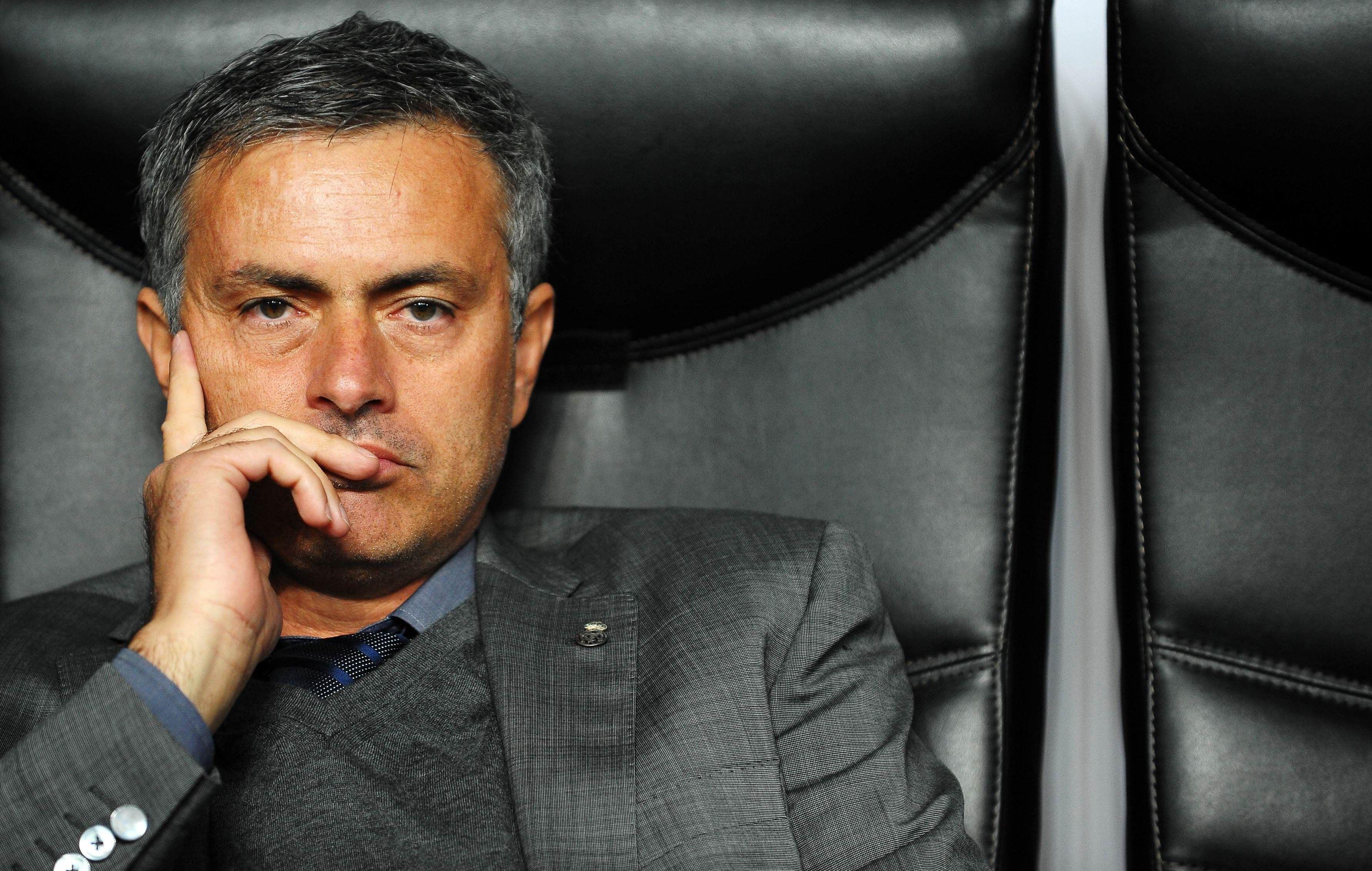 Моуринью: Челси играет очень оборонительно